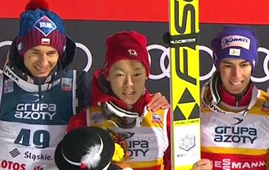 PŚ Wisła: Sensacyjne zwycięstwo Kobayashiego. Stoch drugi, Polacy naczele Pucharu Narodów