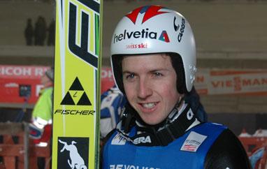 PŚ Engelberg: Ammann przed Żyłą w kwalifikacjach. Pięciu Polaków awansowało