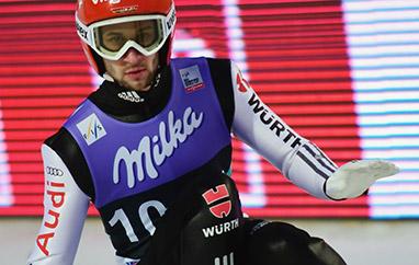 TCS Bischofshofen: Eisenbichler najlepszy wkwalifikacjach, Kubacki zrekordem skoczni