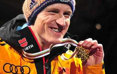 Severin Freund idrużyna zBawarii zwyciężają wmistrzostwach Niemiec