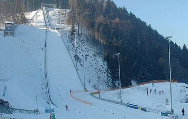 PŚ Hinzenbach: Siedemdziesiąt pań naliście startowej