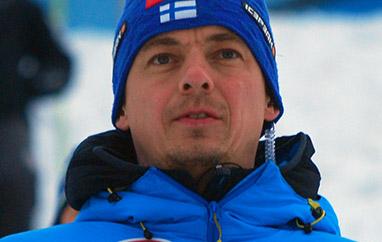 Finowie bez trenera, Mitter bez pracy