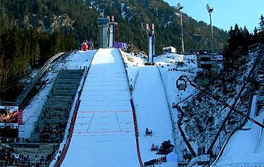 MŚ Oberstdorf: Dwanaście ekip nastarcie konkursu drużyn mieszanych