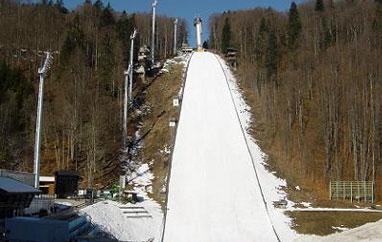 PŚ Oberstdorf: Siedmiu skoczków zadebiutuje wlotach, 59 zawodników naliście startowej