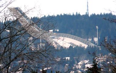 PŚ Oslo: 65 skoczków wkwalifikacjach