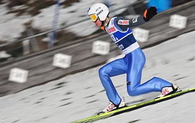 TCS Innsbruck: Stoch najdalej na treningu, Hula drugi. Dobre skoki Polaków.