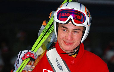 LGP Klingenthal: Stoch wygrywa konkurs, dyskwalifikacja Małysza
