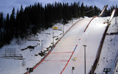 PŚ Trondheim: 66 skoczków na starcie, jutro powieje